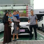 Foto Penyerahan Unit 2 Sales Marketing Mobil Dealer Toyota Purwokerto Danu