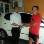 Foto Penyerahan Unit 5 Sales Marketing Mobil Dealer Toyota Purwokerto Moris Ryan