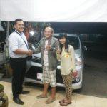 Foto Penyerahan Unit 6 Sales Marketing Mobil Dealer Toyota Purwokerto Moris Ryan