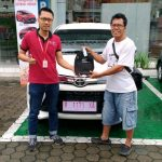 Foto Penyerahan Unit 9 Sales Marketing Mobil Dealer Toyota Purwokerto Danu