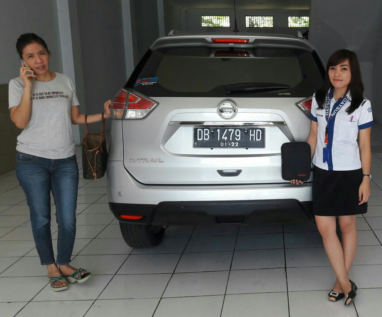 Sales Marketing Mobil Dealer Nissan Manado Lia