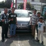 Foto Penyerahan Unit 5 Sales Marketing Mobil Dealer Suzuki Medan Ipan