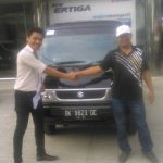Foto Penyerahan Unit 8 Sales Marketing Mobil Dealer Suzuki Medan Ipan