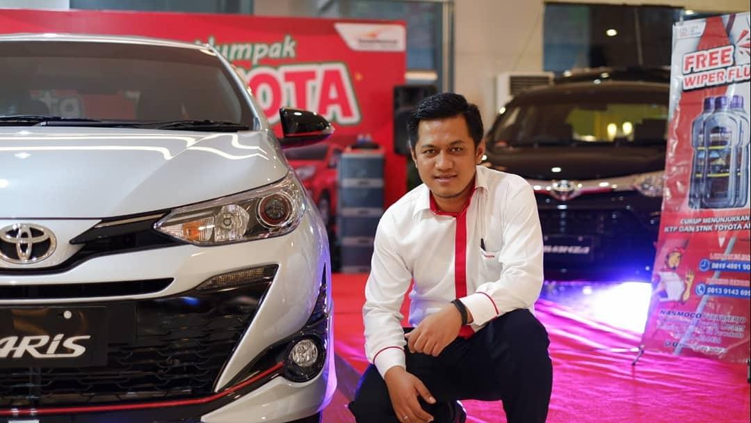 Sales Marketing Mobil Dealer Toyota Ayip