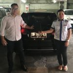 foto-penyerahan-unit-6-sales-marketing-mobil-dealer-datsun-manado-leidy-warouw